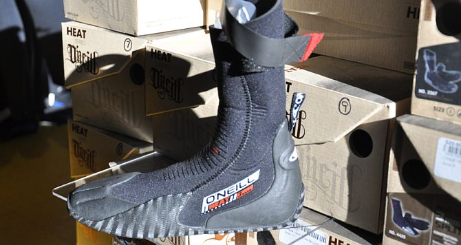 Oneill booties keep your feet warm stand up paddleboarding