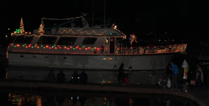 lighted boat parade on san francisco bay