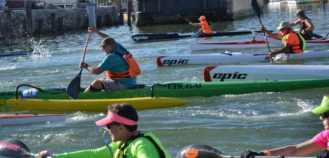 spectacular-weather-blesses-paddle-racers